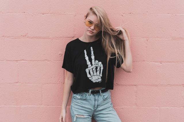 חולצות בייסיק נשים